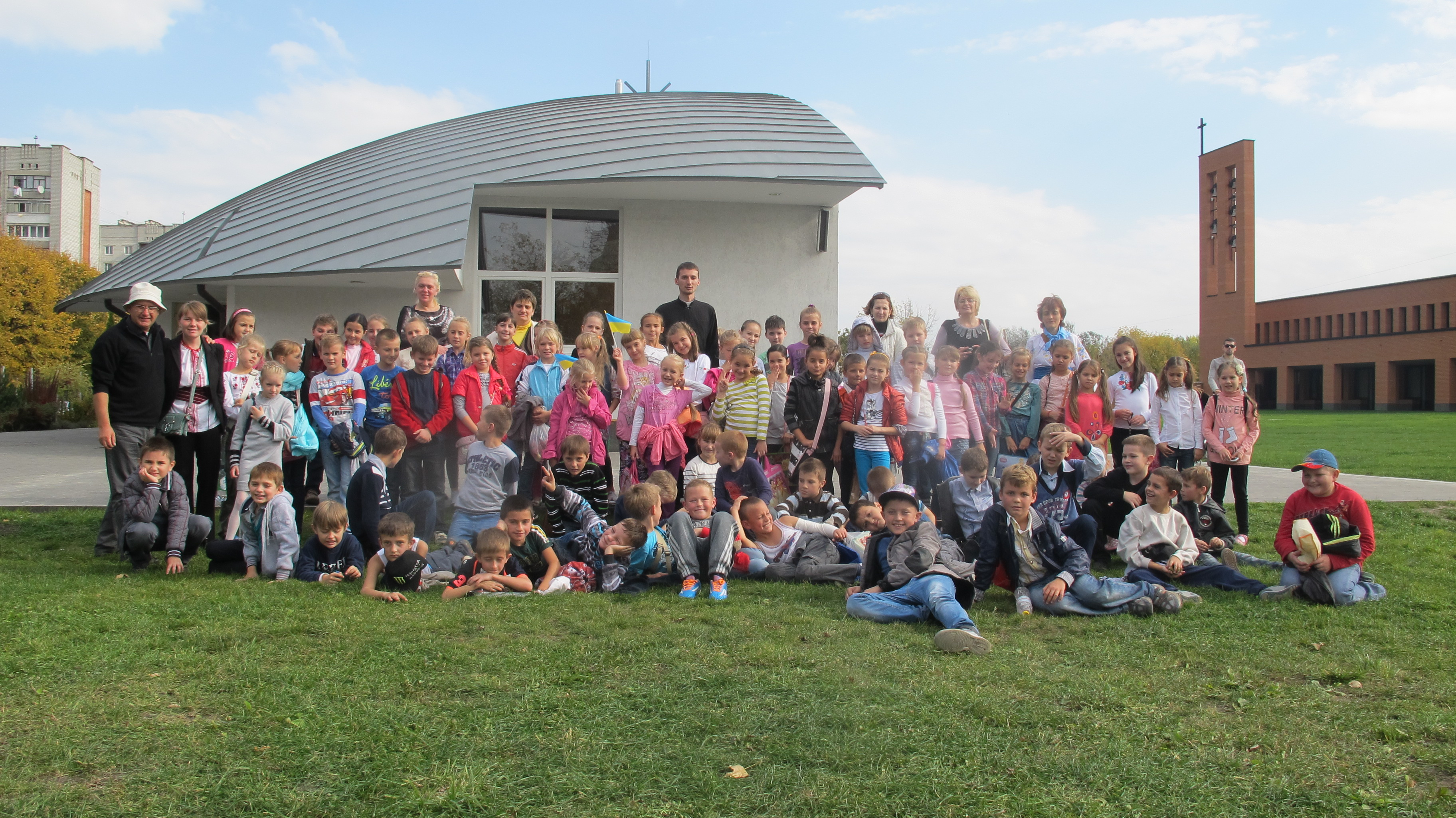 Діти нашої парафії на прощі молились за мир в Україні