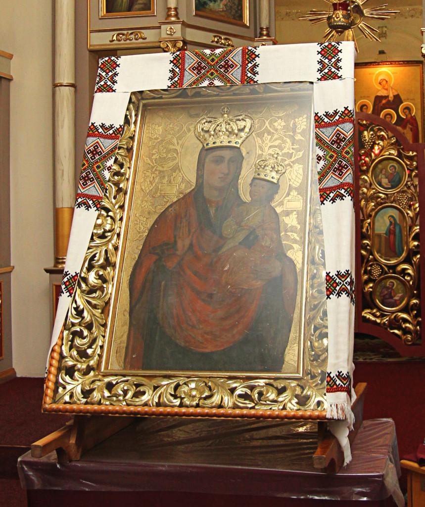 Чудотворна ікона Зарваницької Богородиці у нашому храмі.