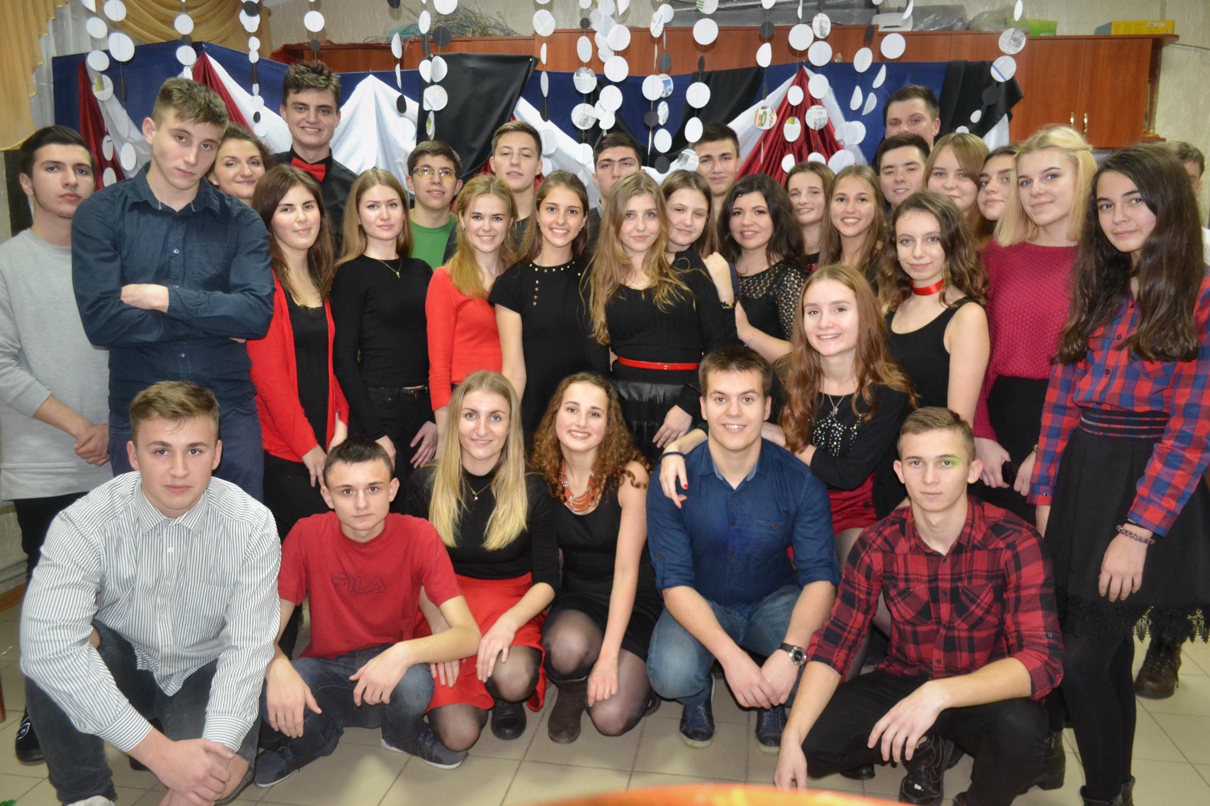 Наша молодіжна спільнота «Діти Світла» перед початком Різдвяного посту святкувала запусти.