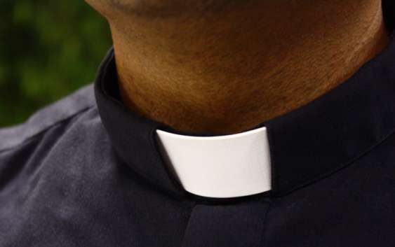 web3-priest-father-roman-collar-mass-sacraments-man-vocation-cc0-563x353